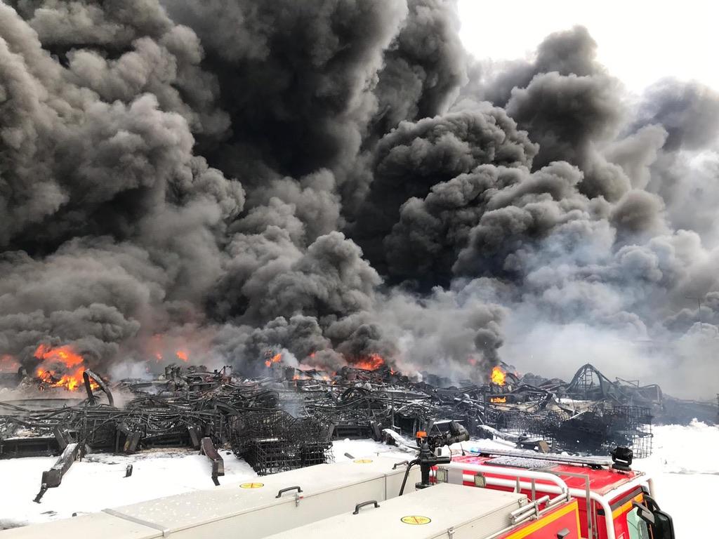 Explosion et incendie monstres à Rouen: nos images exclusives